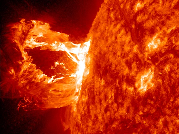 space192-solar-prominence_51870_600x450