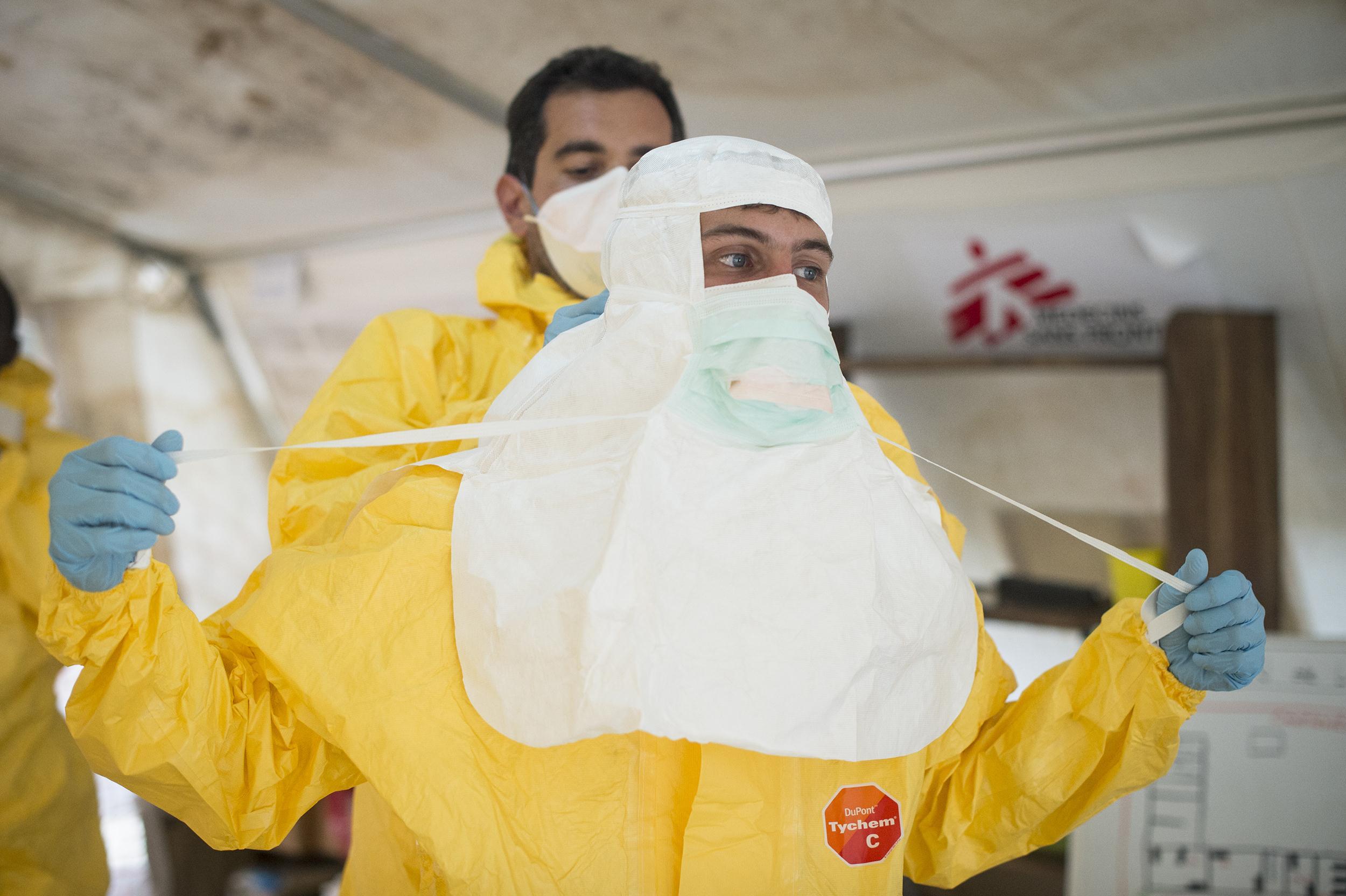 140827-ebola-msf-04_dc5450326d43c5d6a5bfc26d5ca86125