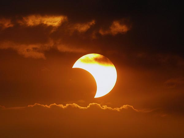 partial-solar-eclipse-europe-africa-preview-sunset-philippines_30826_600x450