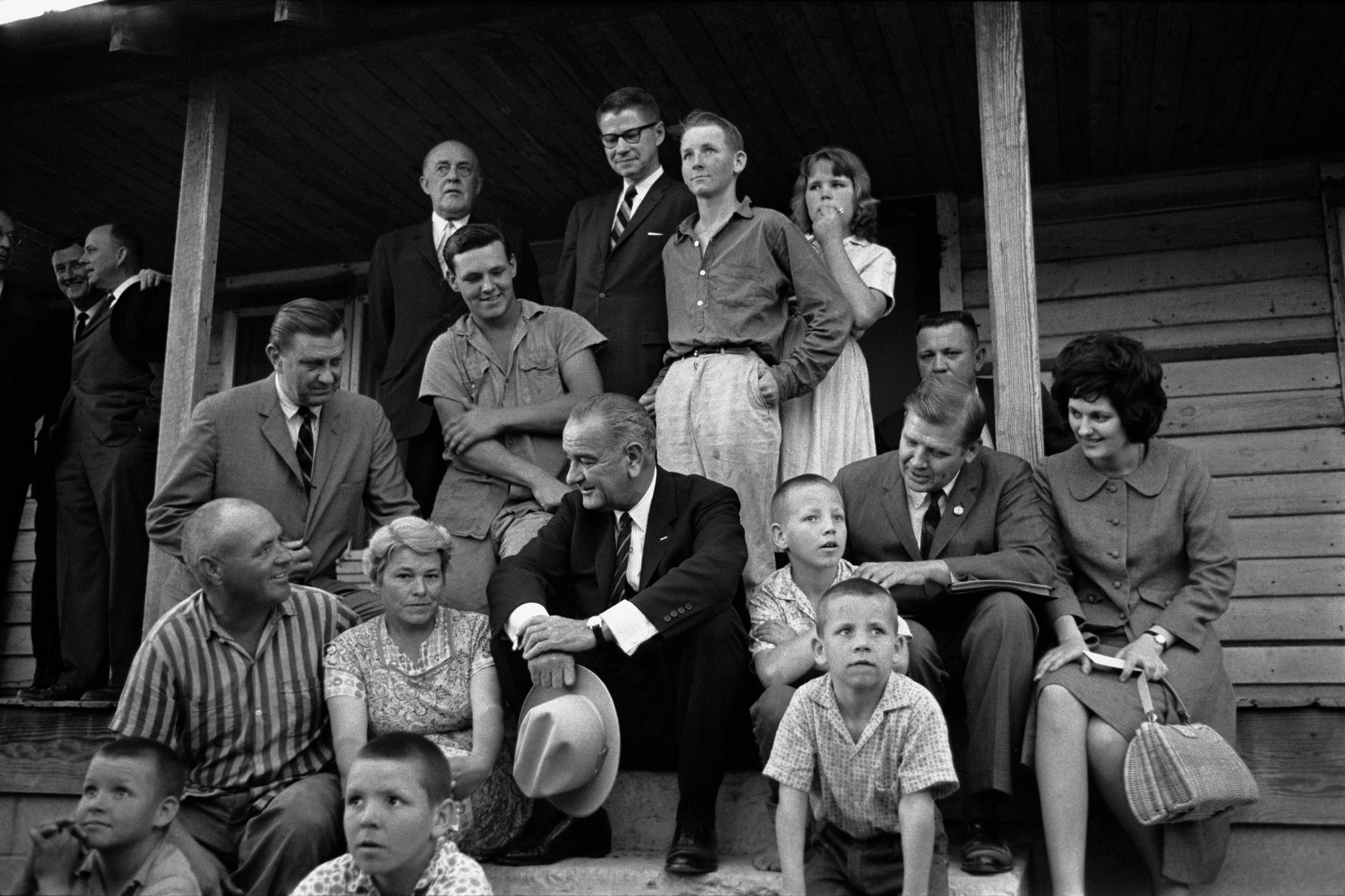 3.2-LBJ-in-Rocky-Mount-with-Marlow-family-Barnes