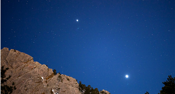 Venus-and-Jupiter-are-on-a-co