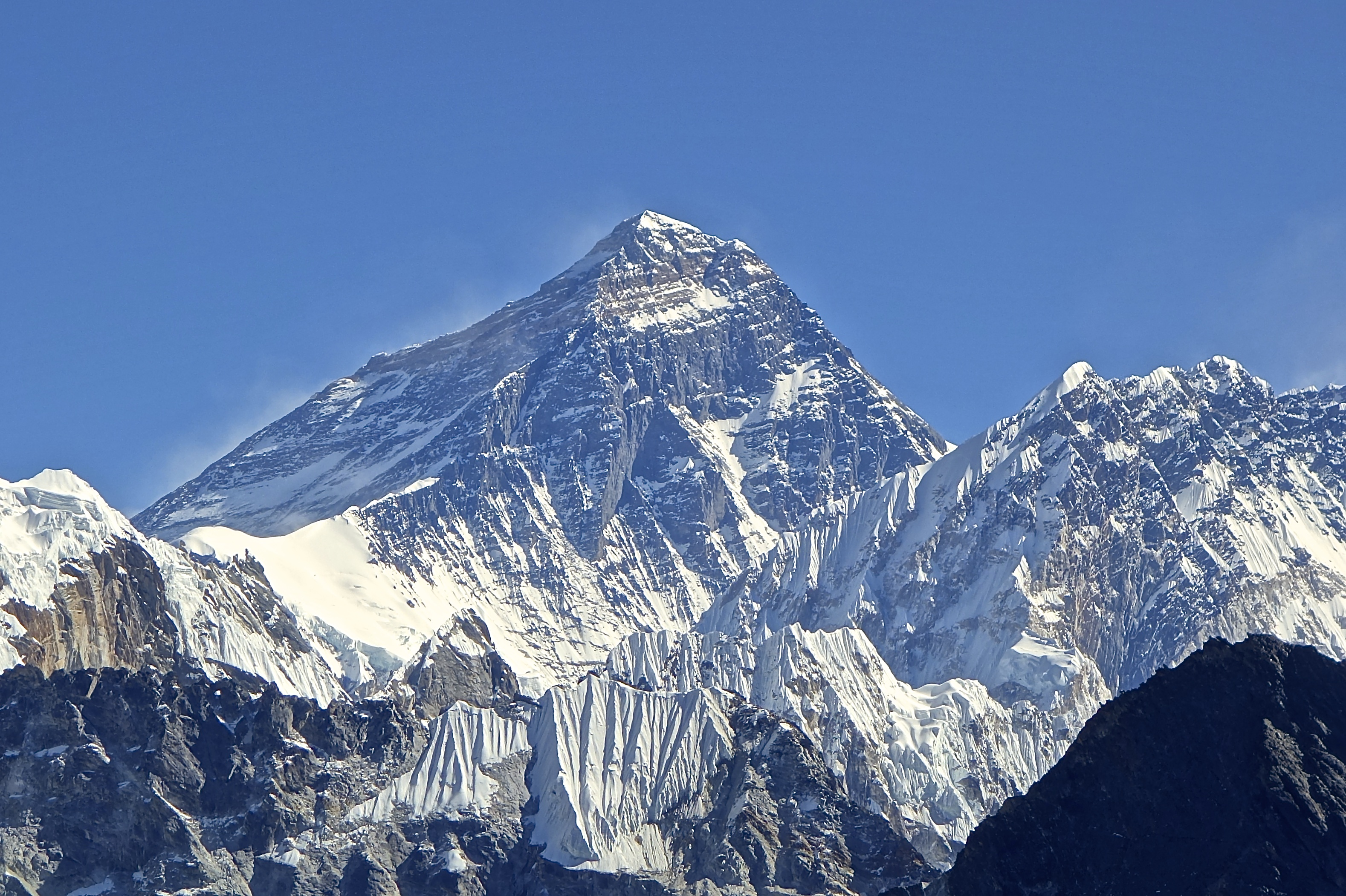 Mt._Everest_from_Gokyo_Ri_November_5,_2012