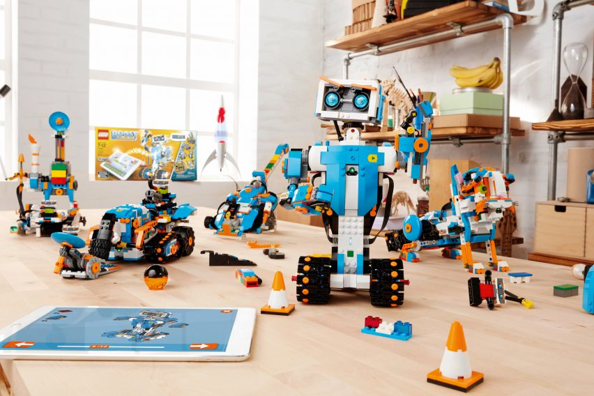 lego-boost-design-products-technology-robots_dezeen_2364_col_0-852x568